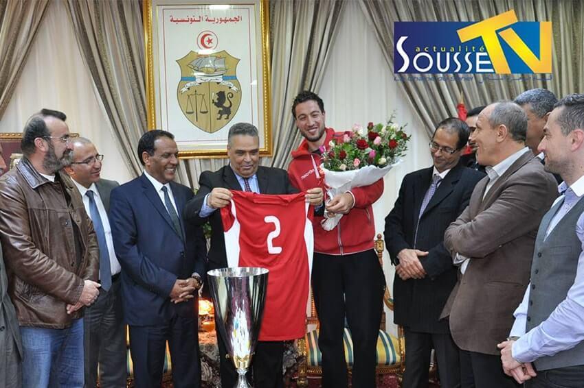 16 مارس 2016 : تكريم الوالي للنجم لكرة الطائرة
