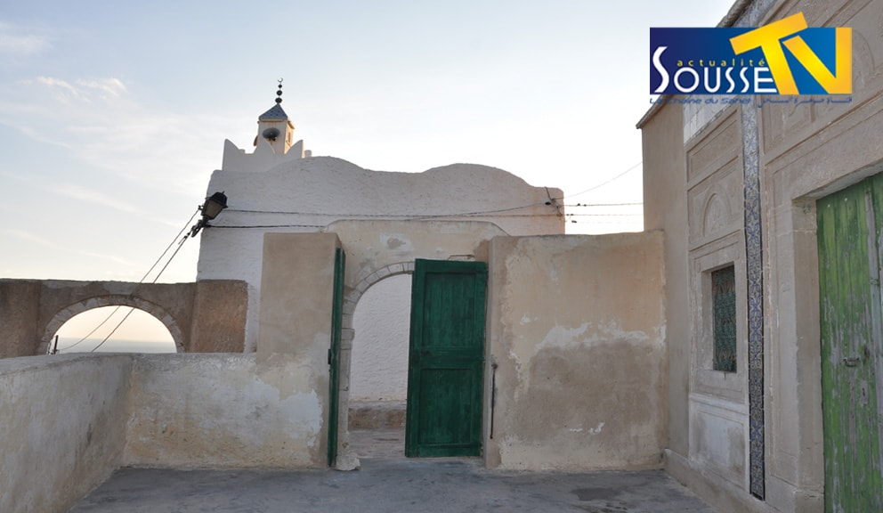 جامع قرية تكرونة